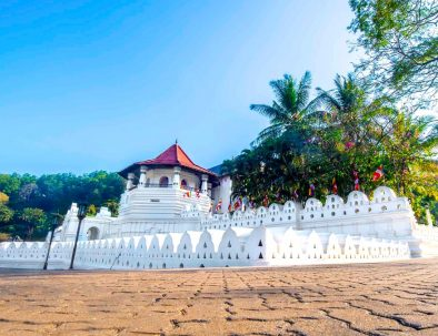 Day Trips to Kandy Temple of Tooth Relic